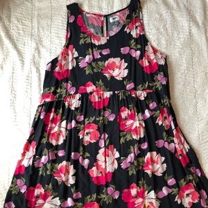 Floral summer dress with key-hole back